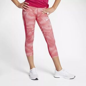 Girls Nike Pro HyperCool Capri Leggings